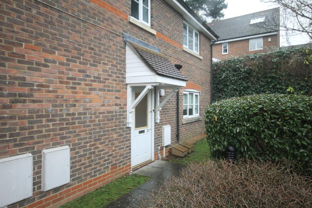 2 Bedrooms Ground Maisonette Flat for sale in Maidstone, Kent