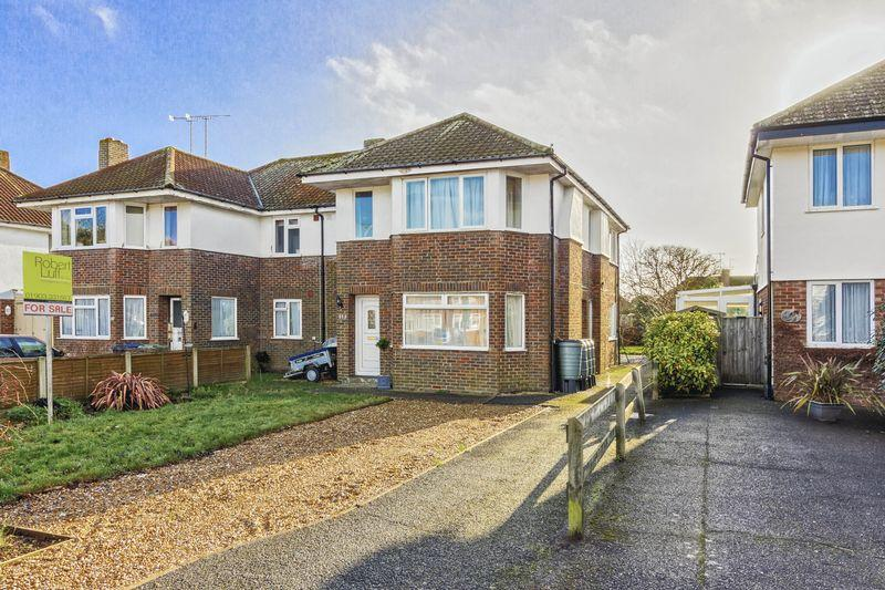 2 Bedrooms Apartment Flat for sale in Ardingly Drive, Goring-by-Sea