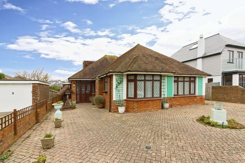 3 Bedrooms Bungalow for sale in Seafield Avenue, Goring-by-Sea