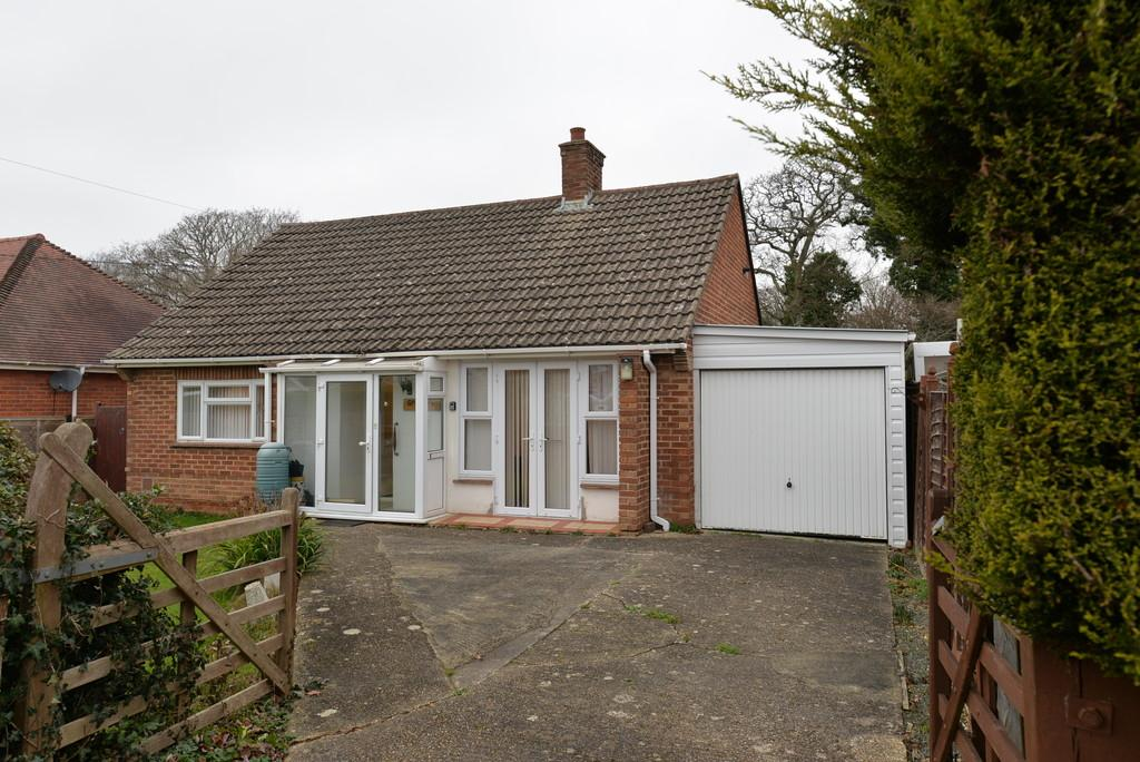 2 Bedrooms Detached Bungalow for sale in Greenmead Avenue, Everton