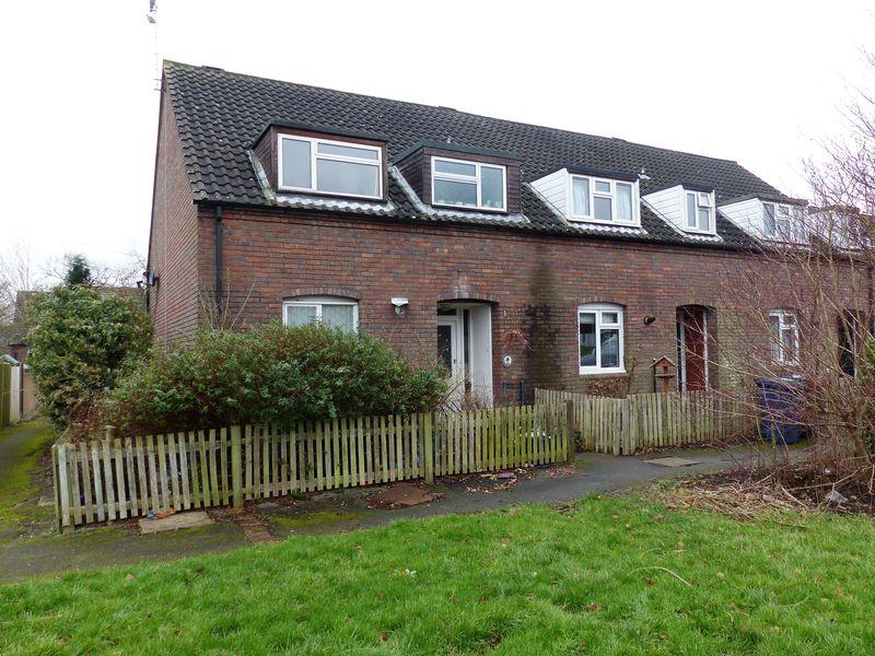 3 Bedrooms House for sale in Strudwicks Field, Cranleigh