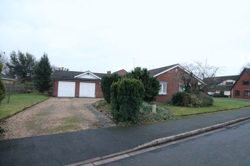 3 Bedrooms Detached Bungalow for sale in Birch Grove, Spalding