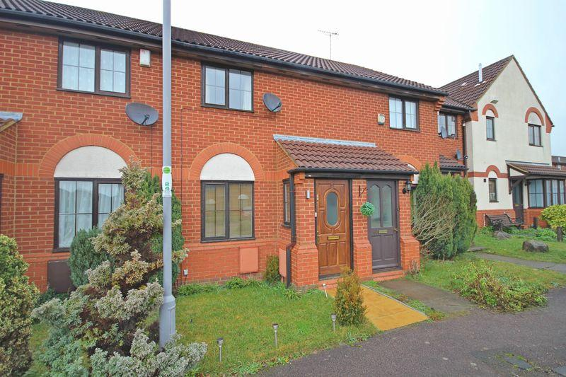 2 Bedrooms Terraced House for sale in Bushmead, Cromer Way, Luton