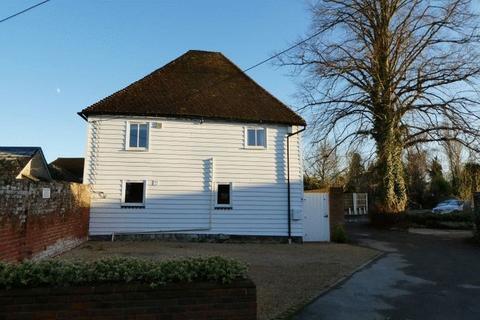3 bedroom detached house to rent - Vicarage Road, Yalding