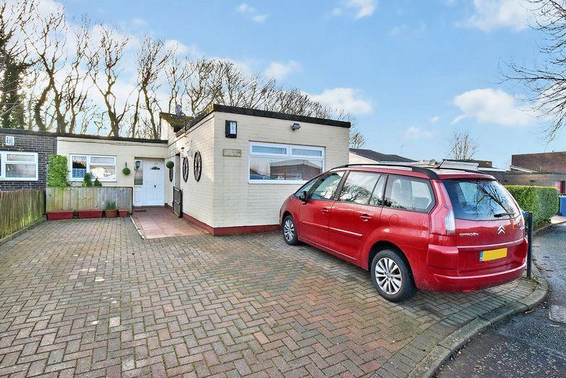 3 Bedrooms Bungalow for sale in Cotton Lane, Runcorn
