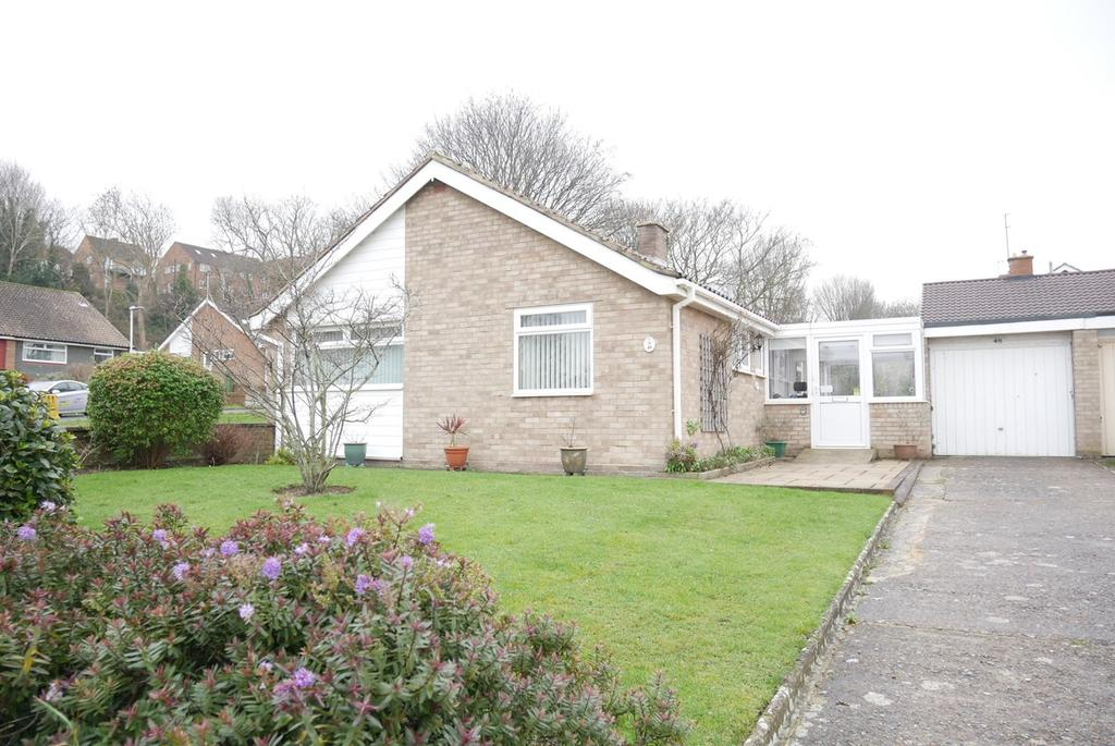 2 Bedrooms Detached Bungalow for sale in Burton Road, Eastbourne, BN21