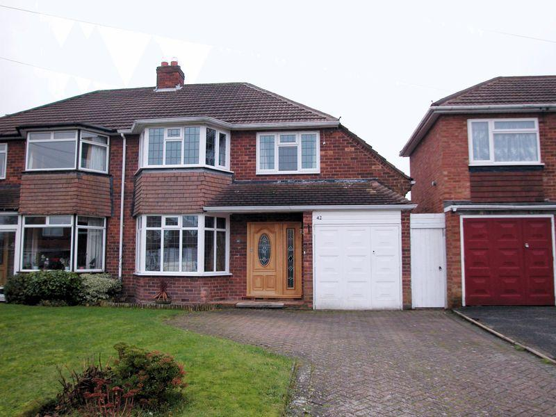 3 Bedrooms Semi Detached House for sale in Mayfield Road, Streetly
