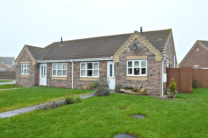 2 Bedrooms Bungalow for sale in Celandine Close, South Killingholme