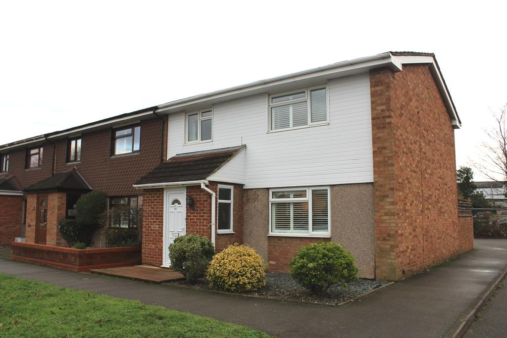 3 Bedrooms End Of Terrace House for sale in Winston Crescent, Biggleswade, SG18