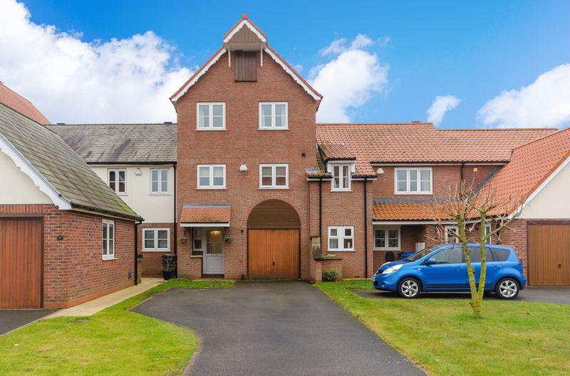 4 Bedrooms Town House for sale in 93 Park Lane, Burton Waters, Lincoln
