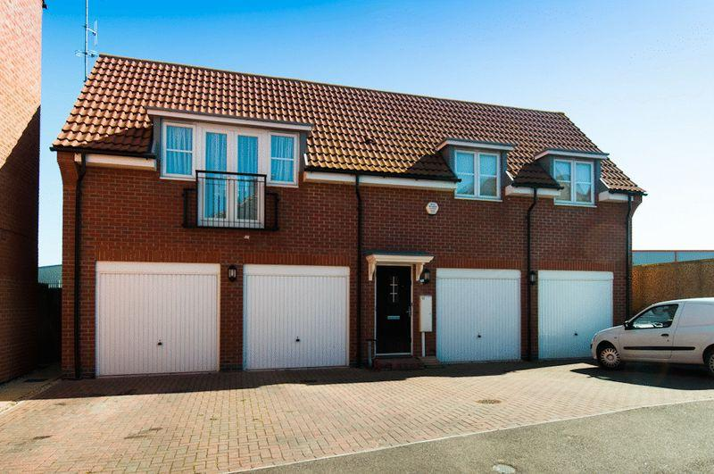 2 Bedrooms Apartment Flat for sale in Castlefields Close, Higham Ferrers