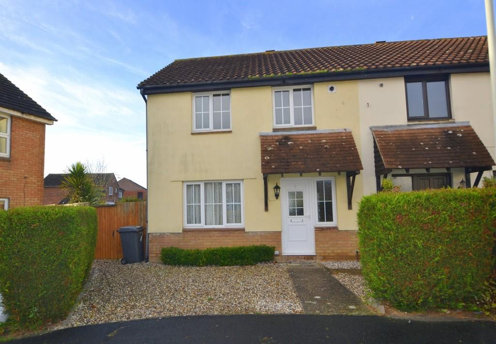 3 Bedrooms Semi Detached House for sale in Herringham Green, Chelmsford, CM2 6QQ
