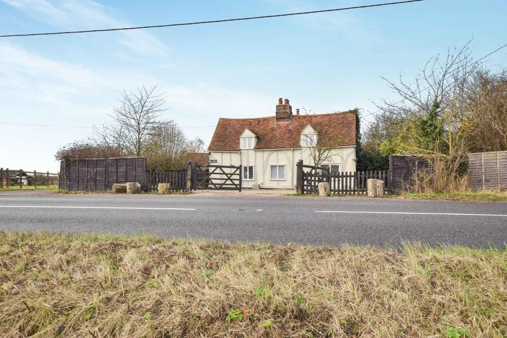 3 Bedrooms Detached House for sale in Colchester Road, Langenhoe, CO5 7LN