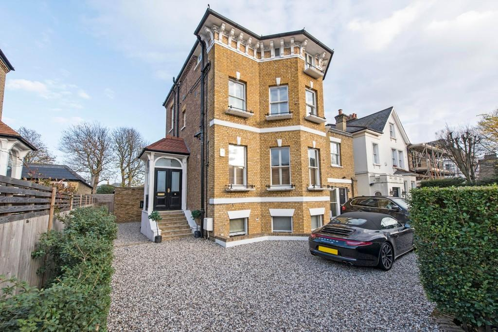 6 Bedrooms Detached House for sale in Trinity Road, London