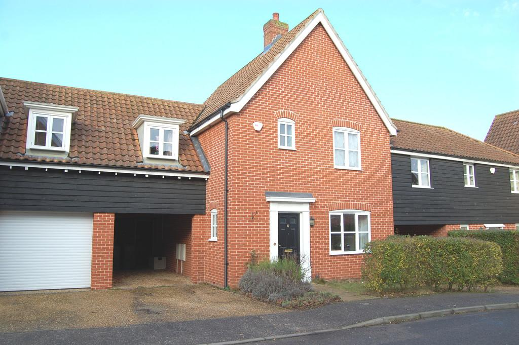 3 Bedrooms Town House for sale in Robert Norgate Close, Horstead