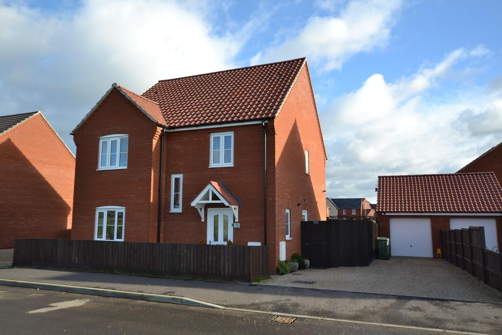 4 Bedrooms Detached House for sale in Woodgate Way, Aylsham