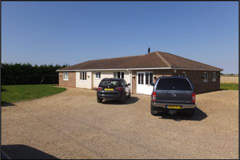 4 bedroom detached bungalow for sale - Arable Farm - Wisbech St Mary
