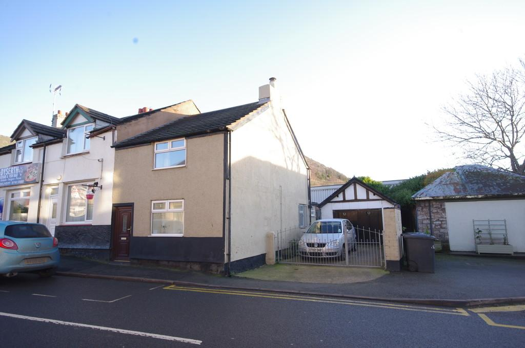 2 Bedrooms End Of Terrace House for sale in High Street, Dyserth