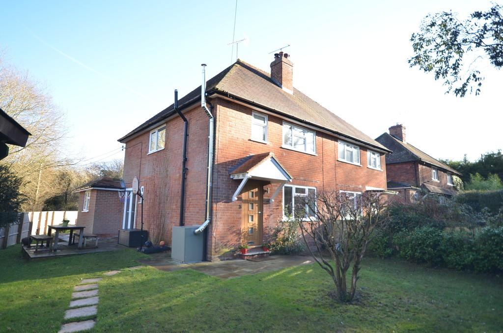 3 Bedrooms Semi Detached House for sale in Tilford Road, Churt
