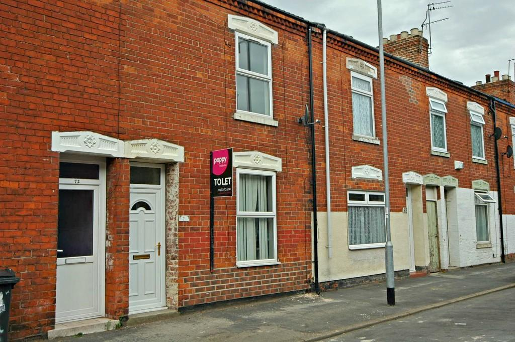 2 Bedrooms Terraced House for sale in Sharp Street, Hull
