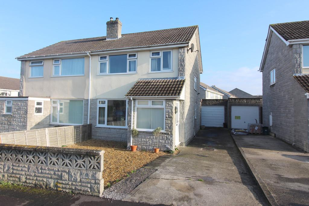 3 Bedrooms Semi Detached House for sale in Oakfield Road