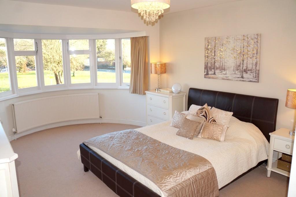 4 Bedrooms Detached House for sale in Hanbury Road, Dorridge