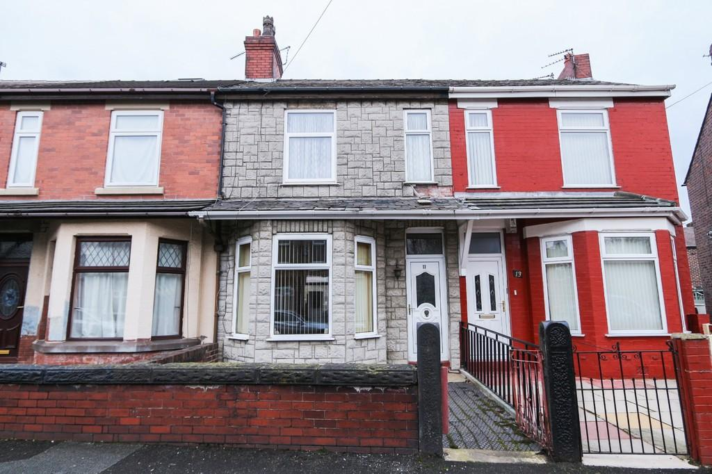 2 Bedrooms Terraced House for sale in 11 Alexandra Grove, Irlam