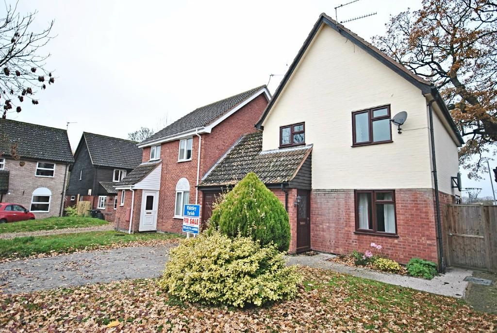 3 Bedrooms Detached House for sale in Lowes View, Diss
