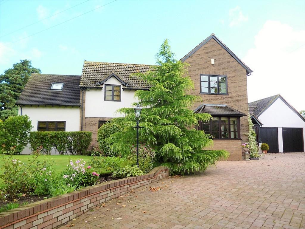 4 Bedrooms Detached House for sale in Stratton House, Stratton House