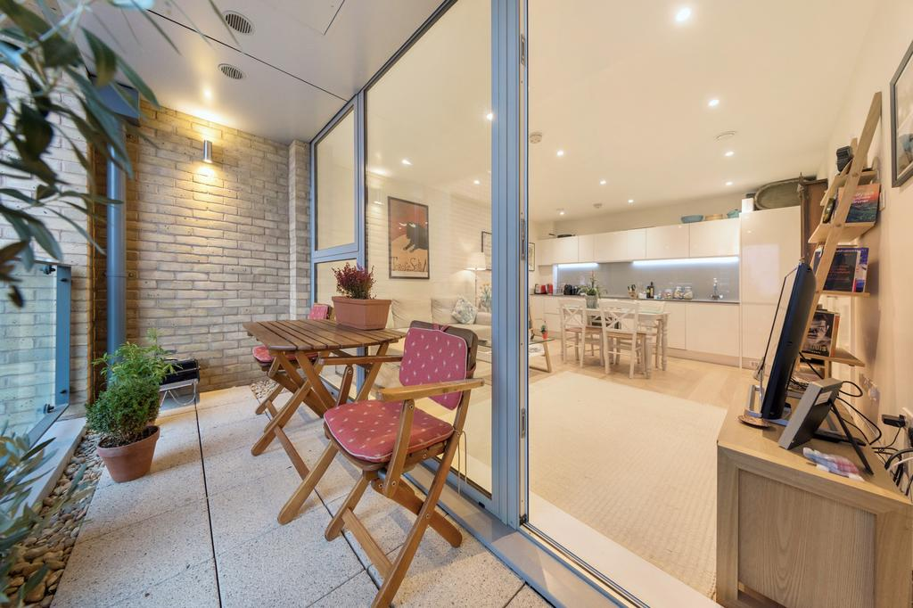 1 Bedroom Flat for sale in Ravillious House, King Street, London