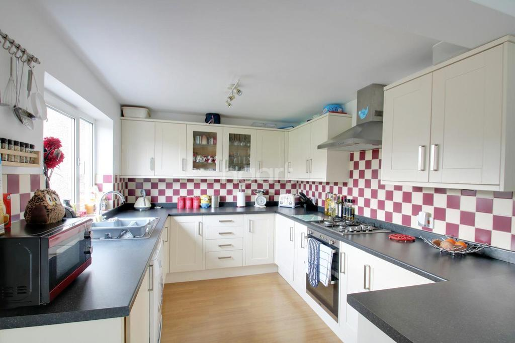 3 Bedrooms Semi Detached House for sale in Shrivenham Road