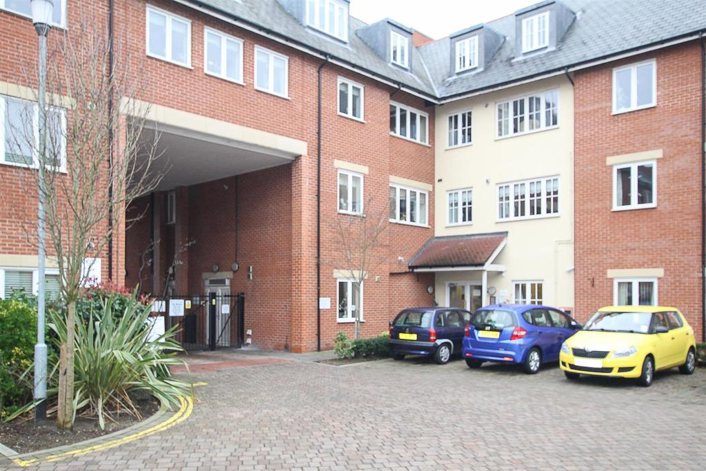 1 Bedroom Apartment Flat for sale in Ongar Road, Brentwood