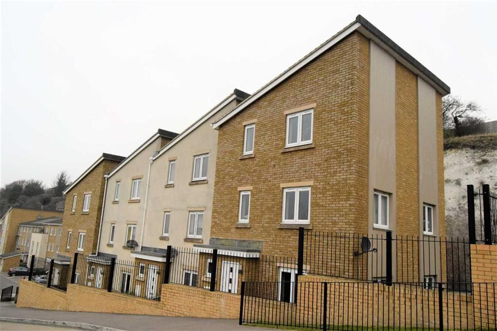 3 Bedrooms Town House for sale in Ward View, Gillingham, Kent, ME5
