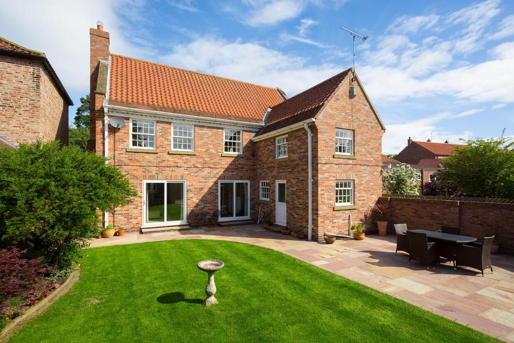 4 Bedrooms Detached House for sale in Main Street, Wheldrake, York