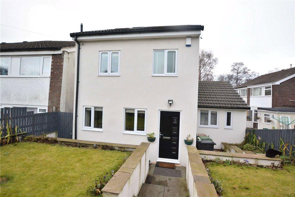 3 Bedrooms Detached House for sale in Dean Court, Roundhay, Leeds