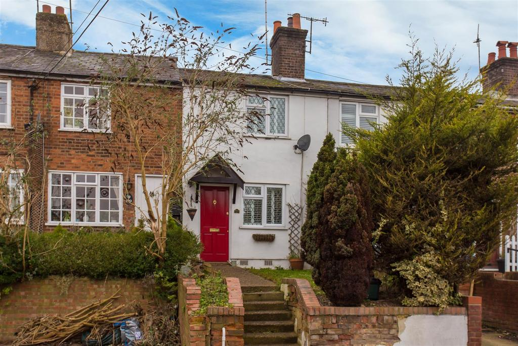 2 Bedrooms Terraced House for sale in Wycombe Lane, Wooburn Green