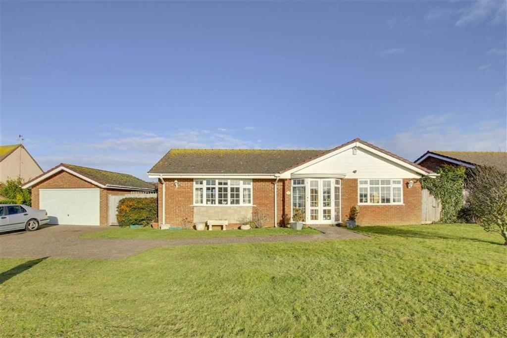 3 Bedrooms Detached Bungalow for sale in Hill Rise, Seaford