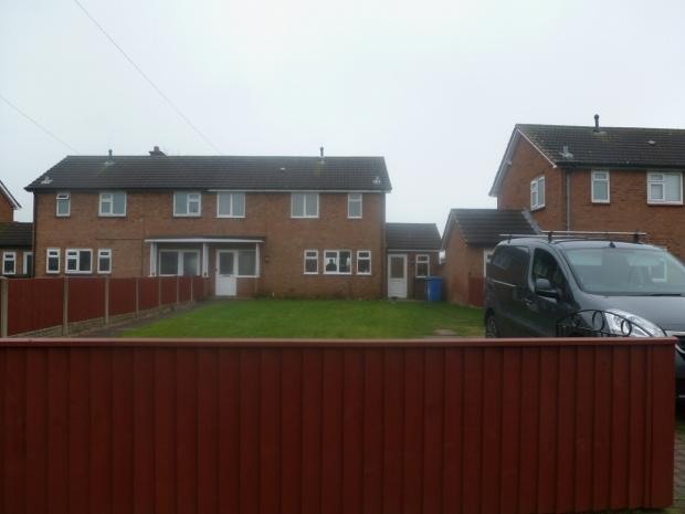 Hill top view rugeley 3 bed semi detached house 650 pcm for Best bathrooms rugeley