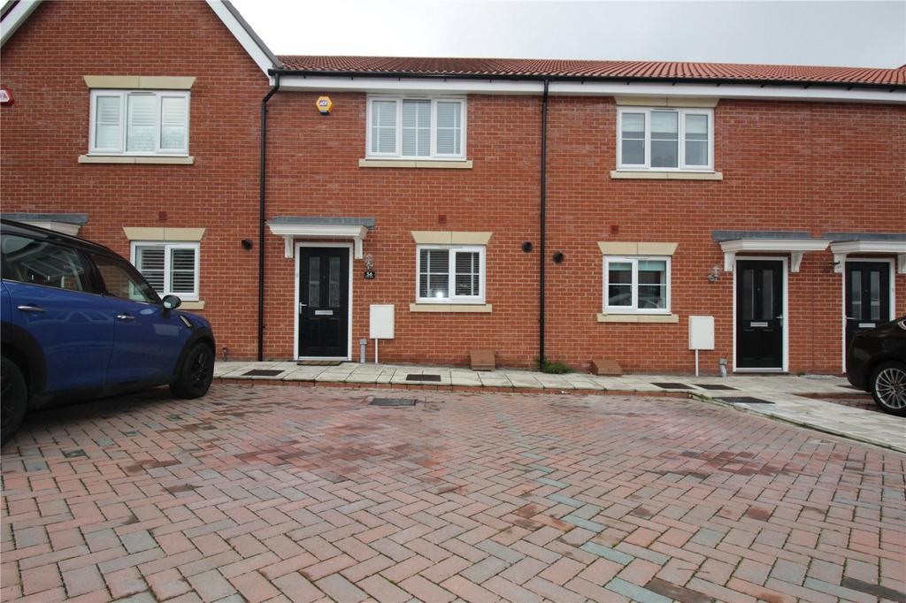 2 Bedrooms Terraced House for sale in Warwick Crescent, Laindon, Essex, SS15