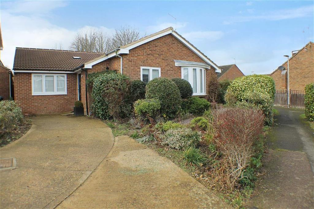 3 Bedrooms Detached Bungalow for sale in Stanton Close, St Albans, Hertfordshire