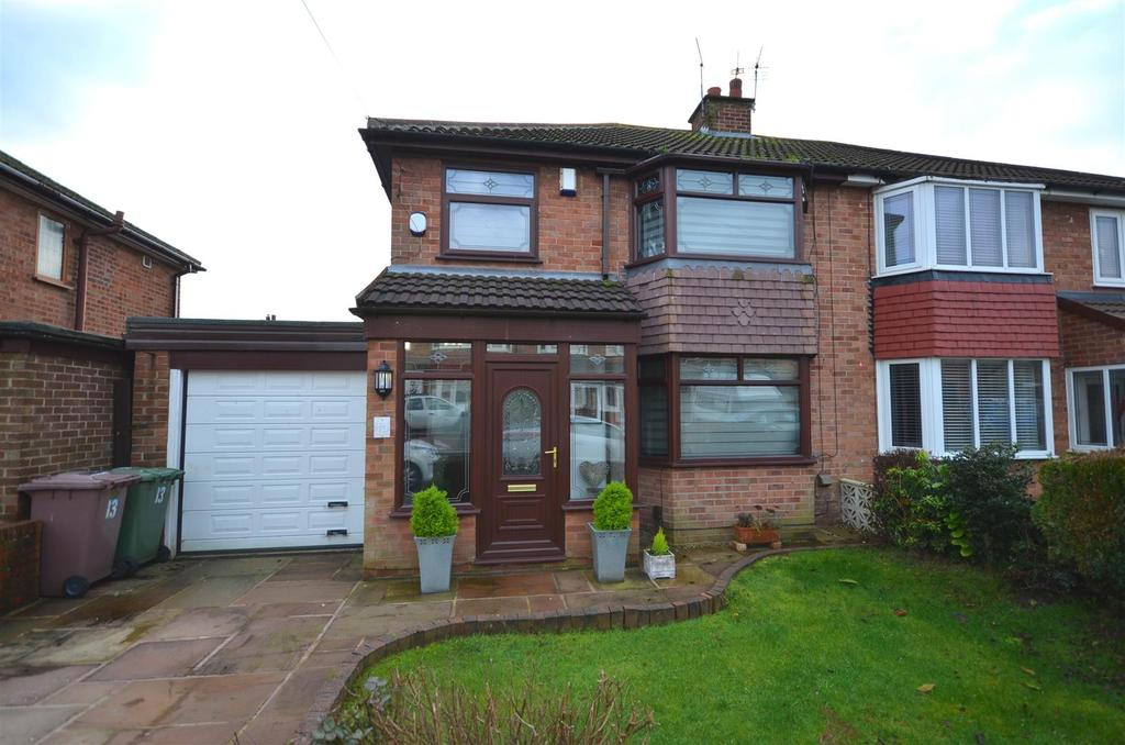 3 Bedrooms Semi Detached House for sale in Green Lane, Rainford, St. Helens