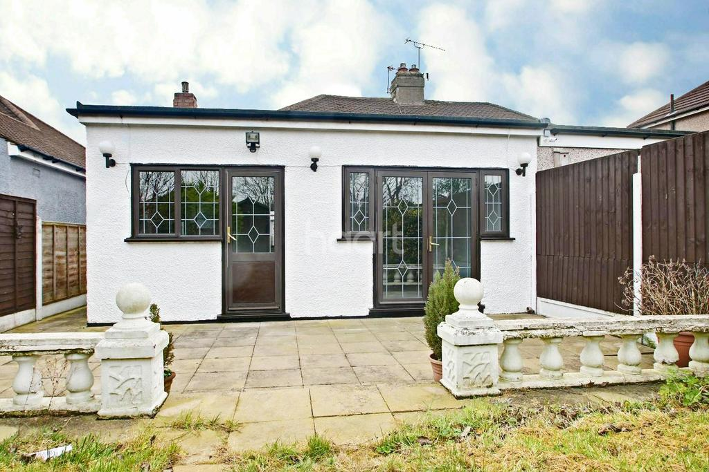 2 Bedrooms Bungalow for sale in Hornchurch