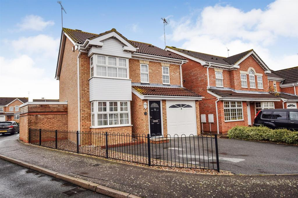 3 Bedrooms Detached House for sale in Wallace Binder Close, Maldon