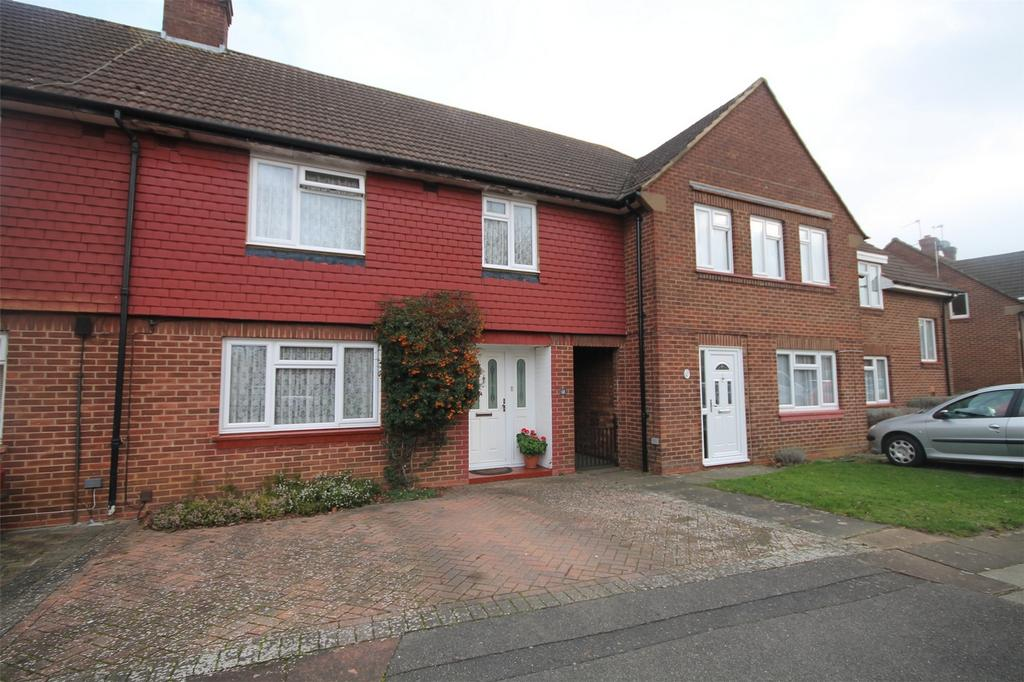 3 Bedrooms Terraced House for sale in Charles Road, Staines-Upon-Thames, Surrey