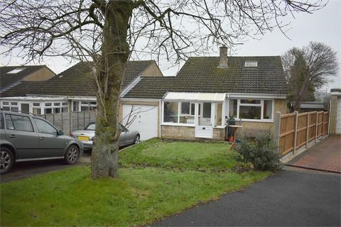 2 bedroom detached bungalow for sale - Paynes Meadow, Whitminster, Glos