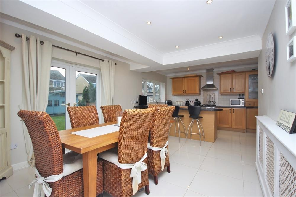 4 Bedrooms Semi Detached House for sale in Glebe Lane, WIDNES, Cheshire
