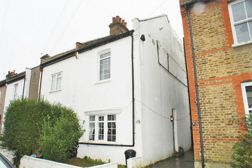 3 Bedrooms Semi Detached House for sale in Blandford Avenue, Beckenham