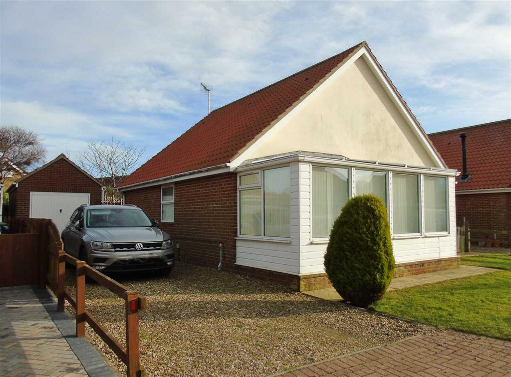 2 Bedrooms Bungalow for sale in NEW - Gap Crescent, Hunmanby Gap
