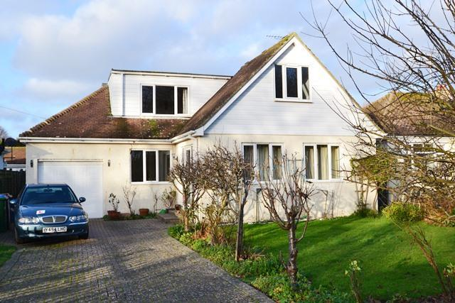 4 Bedrooms Detached House for sale in Little Paddocks, Ferring, West Sussex, BN12 5NH