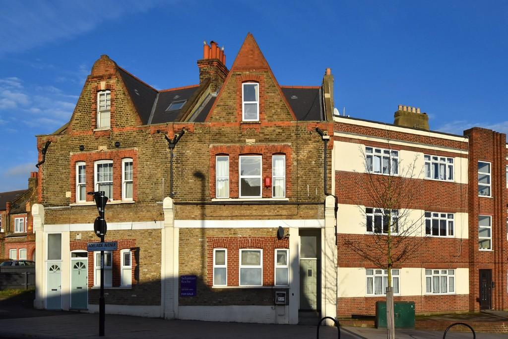 3 Bedrooms Flat for sale in Ladywell Road, SE13